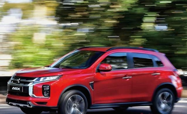 Avrupada makyajlı 2019 Mitsubishi ASX'ler atmosferik 2.0 litrelik benzinli bir motor ve 5 ileri CVT şanzıman kombinasyonu ile gelecekler.