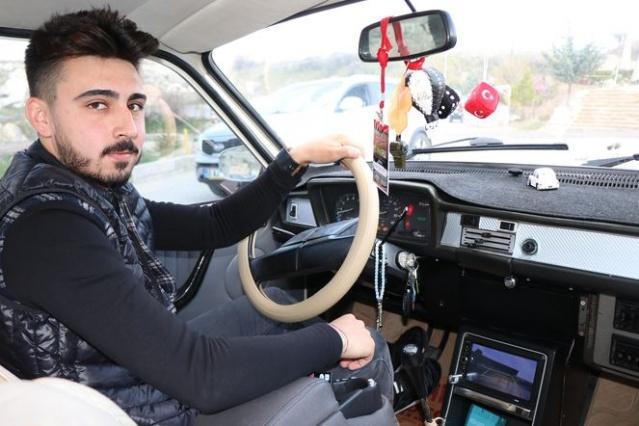 Nevşehir Hacı Bektaş Veli Üniversitesi Beden Eğitimi bölümü öğrencisi olan 19 yaşındaki Tuncay Şahbaz 6 bin liraya aldığı 1987 model otomobili üzerinde yaptığı çalışmalar sonrasında adeta otomobili yeniden yaptı. 6 bin liraya aldığı otomobile 8 bin lira masraf yaparak boya, krom detaylar, geri görüş kamerası, Nuri Alço kornası, merkezi otomatik kilit ve bir çok özellik yapan Şahbaz'ın otomobiline yerli ve yabancı turistler büyük ilgi gösteriyor.