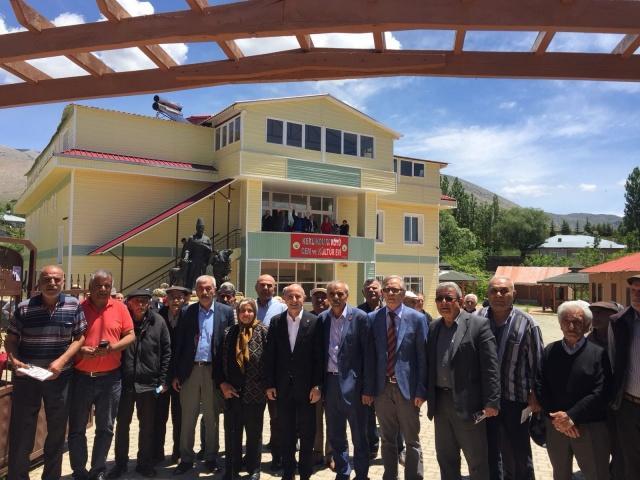 Cumhuriyet Halk Partisi(CHP) Parti Meclisi Üyesi ve Kahramanmaraş 1. Sıra Milletvekili Adayı Ali Öztunç, seçim çalışmaları kapsamında bugün Kahramanmaraş'ın Göksun ilçesinde bulunan çeşitli mahallelere ziyaretlerde bulundu.