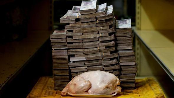 Dünya'da petrol fiyatlarının düşmesi üzerine Venezuela'da ortaya çıkan ekonomik çöküntü ile dünya gündeminde.