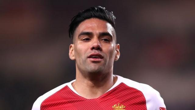 Galatasaray, Radamel Falcao'nun transferini Kamuoyu Aydınlatma Platformuna bildirdi.