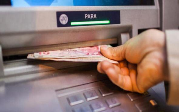 ATM'den para çekerken göz ardı edilen ve pek çok kişiyi tehlikeye sokan gizli bir tehlike var.