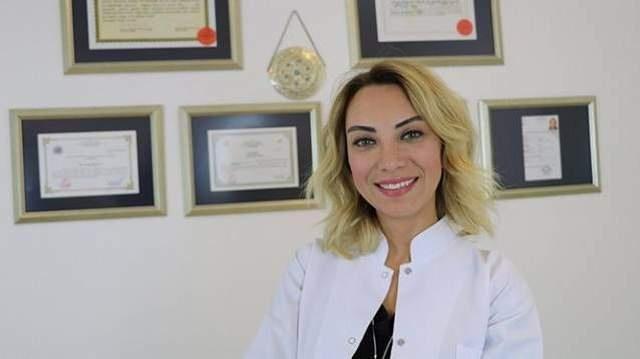 Öncelikle sizi biraz tanıyabilir miyiz?  1976 Adana doğumluyum. 1992 yılında Üniversite sınavında İstanbul Tıp Fakültesi'ni (Çapa) kazanınca İstanbula geldim ve artık burada yaşıyorum. İhtisasımı Kadın Hastalıkları ve Doğum Uzmanlığı üzerine Zeynep Kamil Hastanesinde yaptım. Yeditepe Üniversitesi Tıp Fakültesinden de Üremeye Yardımcı Teknikler ve Tüp Bebek Eğitimi aldım. Uzmanlık sonrasın İstanbul'un A grubu kabul edilen özel hastanelerinde çalıştıktan sonra halen Şişli Memorial Hastanesi'nde çalışıyorum.