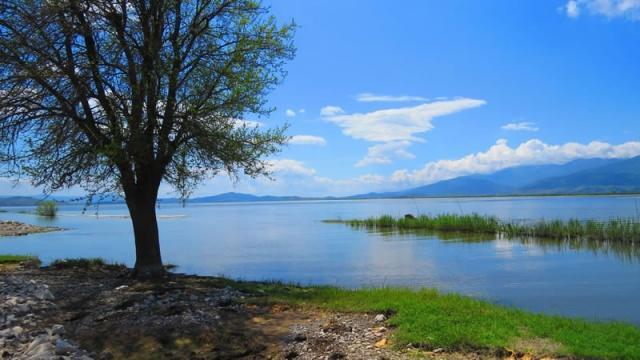 Doğal güzellikleriyle Türkiye'nin en sevilen noktalarından biri olan Gavur Gölü'ne gitmek isteyen doğaseverler arama motorlarında yoğun olarak ''Gavur Gölü'ne nasıl gidilir? Gavur Gölü nerededir, özellikleri nelerdir?'' araştırması yapıyor. Peki Gavur Gölü nerededir? Gavır Gölü'ne en kolay ulaşım nasıl olur? Doğal güzelliğin zirvelerinden biri olan Gavur Gölü ile ilgili tüm merak edilenler…