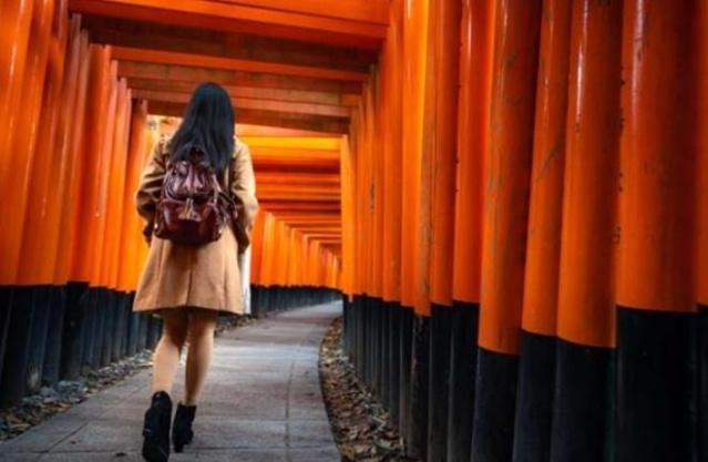 Doğu Asya'nın binlerce yıllık kültüre sahip olan ada ülkesi Japonya'da evlilerin uyuma şekli biraz farklı. Bu ülkede evli çiftler ayrı yataklarda uyumayı tercih ediyor. Peki ama neden? İşte cevabı.