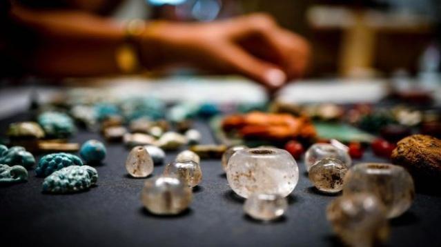 Uzmanlara göre, bu eşyalar üreme, hamilelik veya şans içeren ritüellerde kullanıldı. Antik kentin müdürü Massimo Osanna, eşyaların çoğunun bir kadına ait olduğunu söyledi.