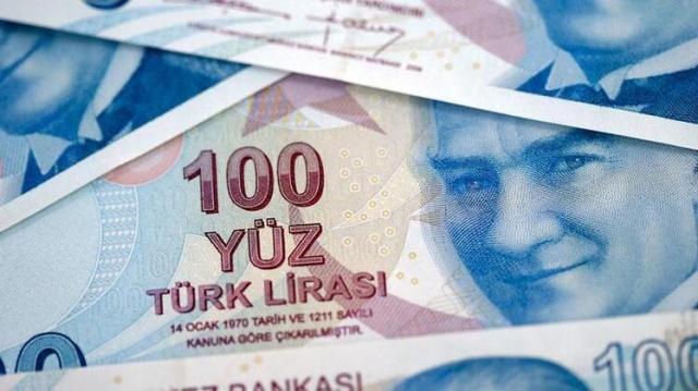 Yurt dışında yaşayan Türk vatandaşları, Türkiye'de daha önce sigortaları olsun ya da olmasın borçlanarak emeklilik hakkı kazanabiliyor.