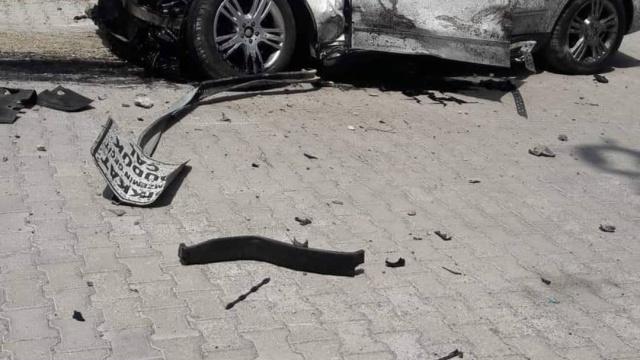 Yaşanan bu feci kazada 4 kişinin yaralandığı bildirildi