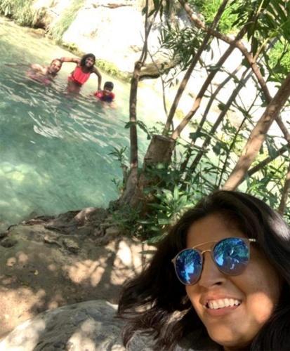 Ailesi ile birlikte İspanya'ya tatile giden İngiliz kadın, su parkında dehşeti yaşadı. Bindiği su kaydırağındaki suyun şiddeti nedeniyle vajinası yırtılan Monu Bhagat, hastanede tedavi altına alındı.