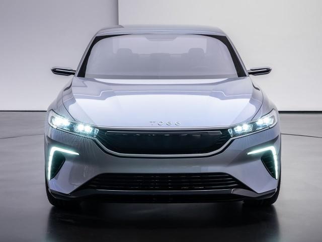 Yerli arabanın tasarım çizgilerinde spor araç esintileri hakim. Hem sedan araç da hem de SUV modelde en çok beğenilen de bu oldu.
