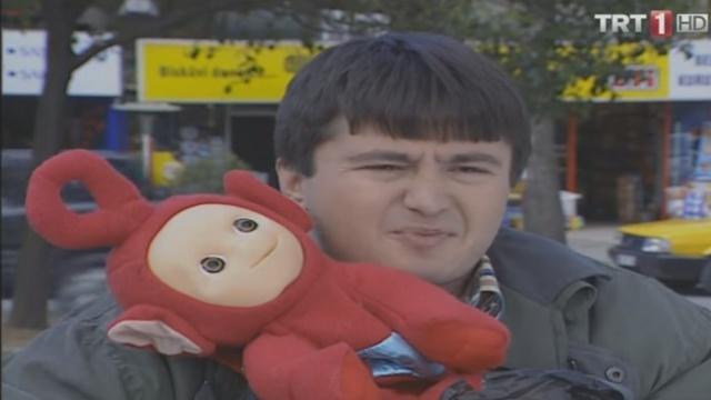 2000'li yılların fenomen dizisi 7 Numara'da 'Recep karakterine hayat veren oyuncu Volkan Girgin'in son hali görenleri şaşırtıyor. 7 Numara'daki karakteriyle adından sıkça söz ettiren Volkan Girgin, kariyerini çok farklı şekillendirdi.