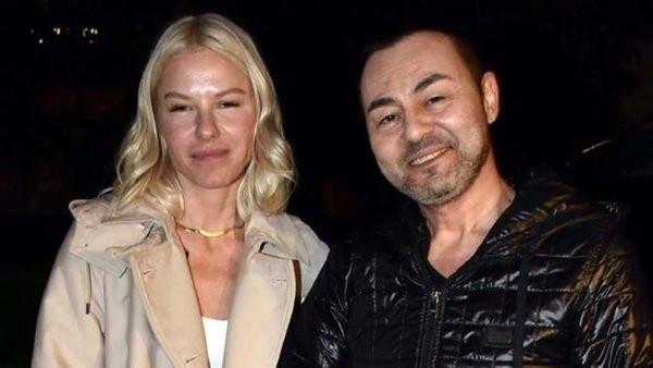 Ünlü şarkıcı Serdar Otaç instagram paylaşımları ile yine magazin gündemine oturdu.