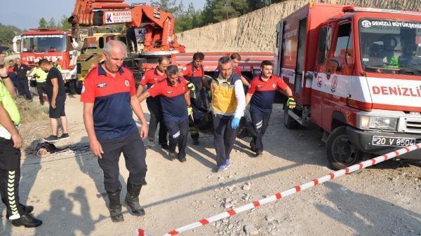 Otomobili halata bağlayan ekipler, içi suyla dolan otomobilin içindeki sürücü Ramazan Sözer (53) ile arkadaşı Yusuf Özer'in (45) cansız bedenlerini çıkardı.