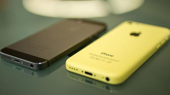 iPhone 5C   Apple'ın plastik tasarımı nedeniyle daha ucuza sattığı; ancak ilgi görmeyen telefonu iPhone 5C de uzun ömürlü olmadı.