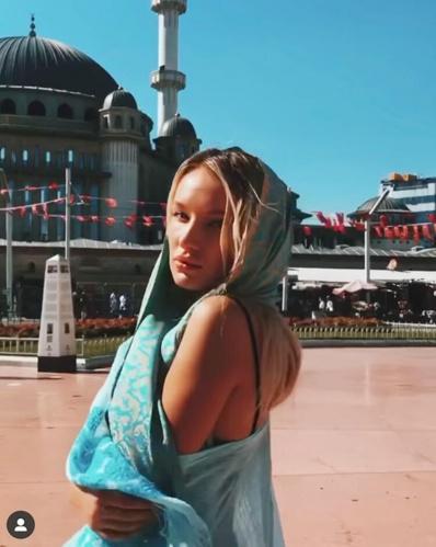 Önce İstanbul'da kalan dünyaca model sonra tatilini Kapadokya'da geçirdi.