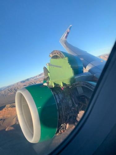 166 yolcusuyla havalanan uçak, gökyüzünde yalnızca 15  dakika geçirebildi.
