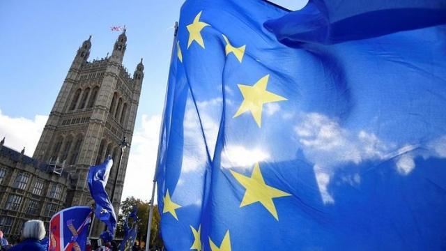 Noah şu günlerde Brexit sebebiyle sıkıntılı günler yaşayan İngiltere ve Avrupa ile ilgili konuştu.