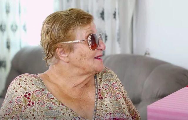 Fox ekranlarının en çok seyredilen yarışmalarından biri olan Zuhal Topal'la Sofrada programının yeni sezonu başladı. İlk hafta çekimlerini tatil yaptığı Kıbrıs'ta tamamlayan Zuhal Topal'ın gafı ise yeni sezona damga vurdu.
