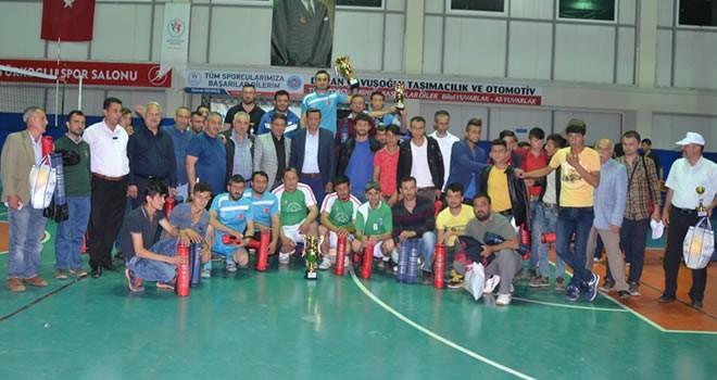 Türkoğlu'nda kupalar sahibini buldu