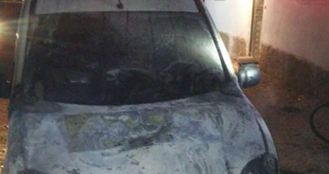 Afşin'de park halindeki bir araçta yangın çıktı