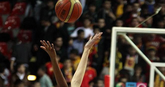 Kadın basketbolculara başörtü serbest bırakılacak
