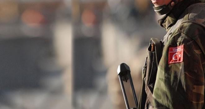 Sınırda hareketli dakikalar: Türk askeri Suriye tarafına ateş açtı!