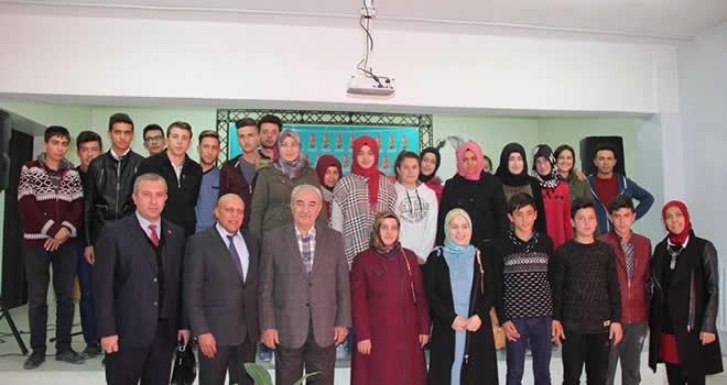Yazar Vakkasoğlu Çağlayancerit'te öğrenciler ve velilerle buluştu
