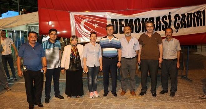 Pazarcıklı Vatandaşlar Demokrasi Nöbetini Tamamladı