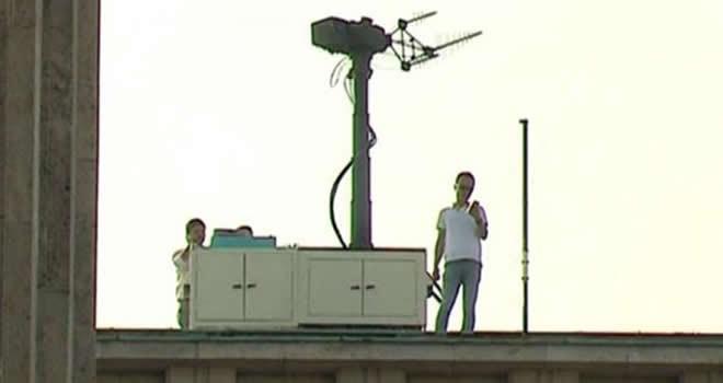 Meclis'in çatısında dikkat çeken görüntü