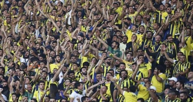 Fenerbahçe taraftarları birbirine girdi: Gözaltılar var!