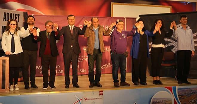 Pazarcık'ta ''Dikkat Aile Var'' isimli tiyatro gösterisi sahnelendi