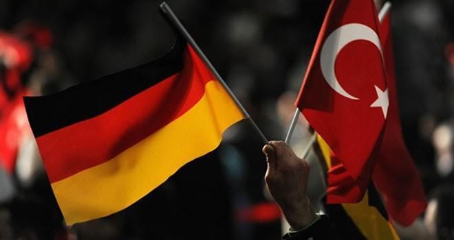 Almanya'dan şok karar: Türkler sınır dışı ediliyor!