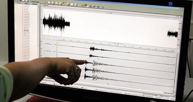 Manisa 4.4 büyüklüğünde deprem ile sallandı