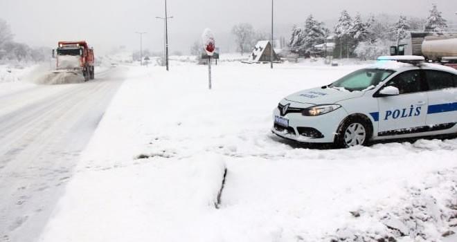 Kahramanmaraş'ta kar ulaşımı aksattı