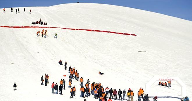 1. Geleneksel Kızak Yarışmaları Türkiye Şampiyonası yapıldı