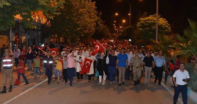 Türkoğlu'nda demokrasi nöbeti