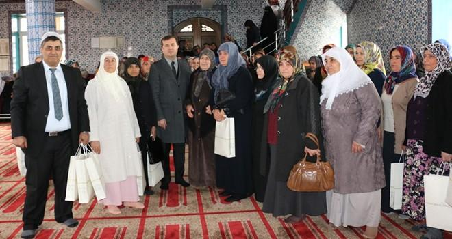Başkan Bozdağ, Umre yolcularını kutsal topraklara uğurladı