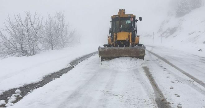 Büyükşehir'den kar temizleme çalışmaları