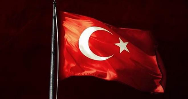 TBMM'den tokat gibi cevap: ''Türk bayrağı, ay yıldızlı al bayraktır, değiştirilemez!''