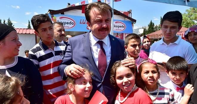 Başkan Erkoç, 23 Nisan çocuklarıyla bir araya geldi