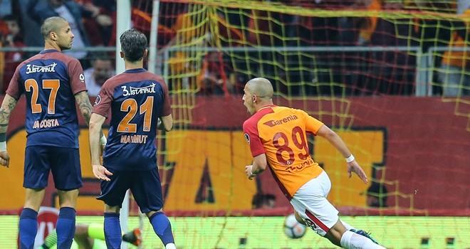 Galatasaray, Başakşehir'i 2 golle devirdi