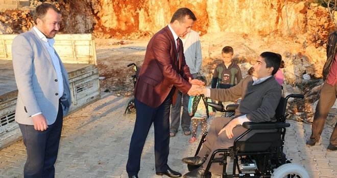 Başkan Bozdağ, engelli vatandaş Osman'ın yüzünü bir kez daha güldürdü