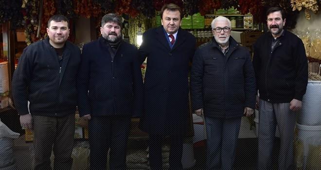 Başkan Erkoç, Suk-i Maraş (Belediye) Çarşısı'nda esnaflarla bir araya geldi