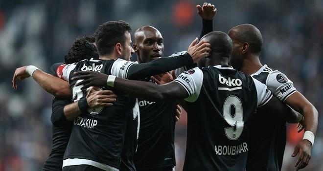 Beşiktaş adım adım şampiyonluğa koşuyor !