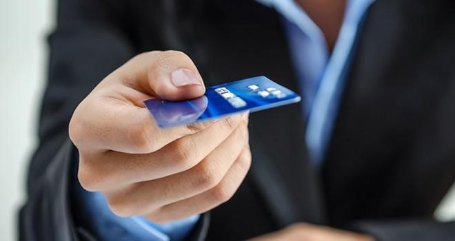 Aidatsız kart çıkarmayan banka yanacak !