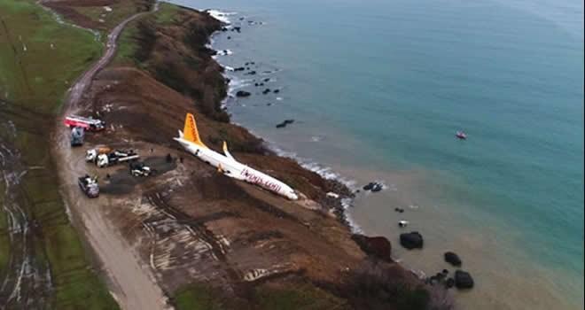 Trabzon'da uçak pistten dışarı çıktı!