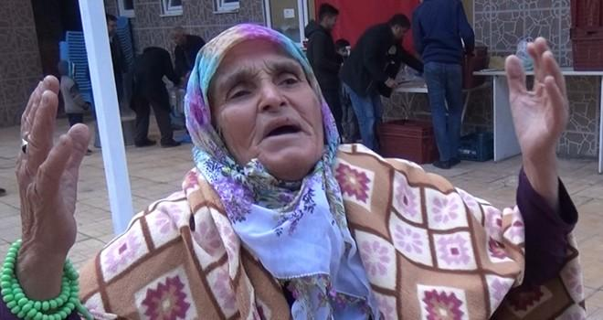 Kahramanmaraşlı yaşlı kadın Mehmetçik ve Erdoğan'a dua etti