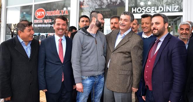 İçişleri Komisyon Başkanı Celalettin Güvenç referandum çalışmaları için Türkoğlu'nda