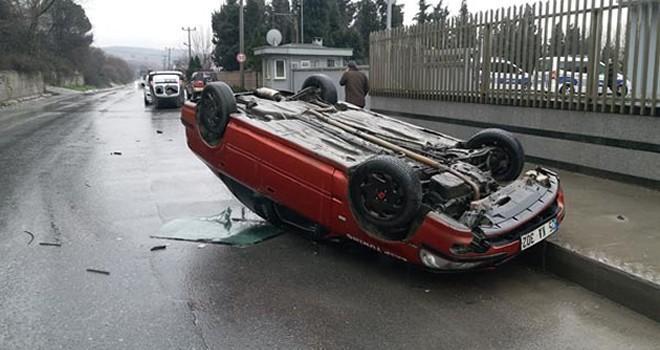 Araçları forkliftle yola fırlattı