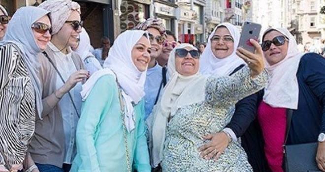 Özellikle  İstanbul'u tercih ediyorlar! Akın akın geliyorlar!